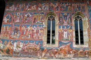 Pictura exterioară bine conservată