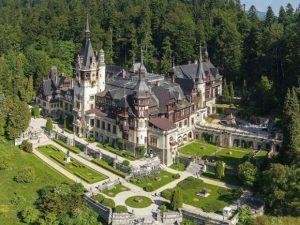 Vedere genrală a castelului