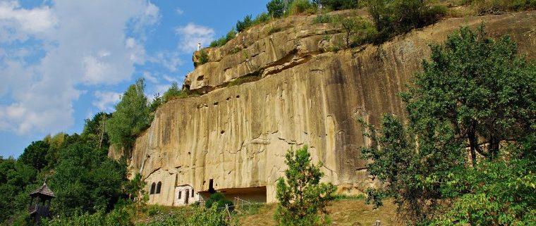 Mânăstirea Corbii de Piatră - vedere generală