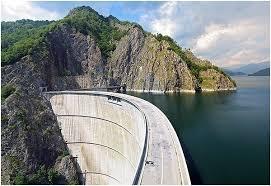 Barajul Vidraru - Vedere de pe latura estica