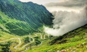 Transfagarasanul - drumul care trece prin nori